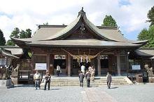 阿蘇神社 全日本的大約500社阿蘇神社分社的總部! 大樓門是日本三大樓門之一! 2016年的大地震後