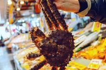 去函馆一定要去的函馆朝市,是日本著名早市之一一般营业到中午,早市不仅售卖生鲜还有干货和蔬菜等几百家店