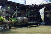 150多年的水上市場,賣的東西不是重點,而是感受這裡150多年來的建築,風土 ,人情