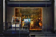 难得一见他在修复中。荷兰国宝级三位大师,进入博物馆内将会的看到,伦勃朗、扬.维米尔、弗朗斯.哈尔斯的
