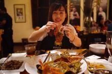 科伦坡美食【Ministry of Crab】 顶着米其林光环,人尽皆知的大牌店 敞开式厨房、漂亮的