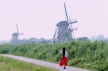 晚上维京开始起航,驶向新城市,鹿特丹附近的金德代克 因为小孩堤防,是荷兰特征——风车最多的地方。