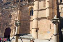 西班牙最美大学萨拉曼卡大学 欧洲四大最古老的大学之一 类似于国内的清华北大 整个大学城位于一个小镇上