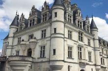 富丽堂皇的一个城堡,打卡成功  在这个无聊的假期,我的小伙伴和我一起来到了舍农索的一个城堡里面。那就