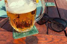 到了百威啤酒的故乡,怎能不来一杯皮尔森