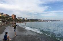 在安达卢西亚南端,有一座美丽的滨海小城——马拉加,这里是著名绘画大师毕加索的故乡。毕加索曾说过:没有