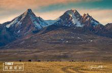 """""""上部守护之神""""雅拉香布神山,一座和四川甘孜州的雅拉神山有明显区别的神山。"""