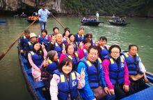 越南下龙湾月亮湖,一个四面环山天然海上世界