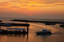 顺着年轻时的歌曲的记忆,渔人码头。