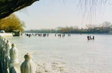 有一段时间  在北京 一个人没事就到处走走 爬香山 西山 去颐和园 后海  太庙 国子监 玉渊潭公园