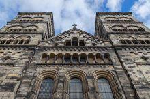 仍然战斗着的骑士—隆德大教堂  隆德由一座著名的教堂主宰着,就是历史最悠久的隆德大教堂,是瑞典七大奇