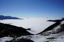 夹金山,红军长征翻越的第一座雪山。