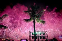 我与港澳同胞共赏焰火晚会。这次的行程安排刚好赶上了祖国七十周年庆典,在他乡为祖国庆祝,实在是不一样的