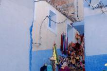 摩洛哥旅行 舍夫沙万 蓝色小镇  摩洛哥是当下最网红热门的旅游圣地啦,对中国是免签,可以拿上护照说走
