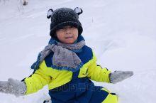 Ps:我喜欢,我喜欢白雪皑皑的冬天,因为冬天可快乐地打雪仗。 我喜欢,我喜欢鹅毛大雪的冬天。因为冬雪