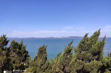 景色还可以,人不是太多正合适,看到了黄渤海分界线。各种古建筑,名人故居,还是值得一看的,就是海边是炮