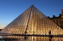 巴黎必打卡不止巴黎圣母院!  前段时间的巴黎圣母院火灾堪称是人类文明的一场浩劫,一座800多年的历