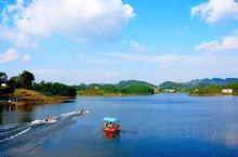 南川黎香湖湿地生态园是重庆一小时经济圈内尚未开发的海拔最高、温度最低、植被最好、水质最清、体量最大