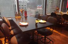 布拉诺算是现在连锁西餐厅中性价比很高的了,装修、环境也越来越好了。到群光买买买,晚饭就pick这家吧