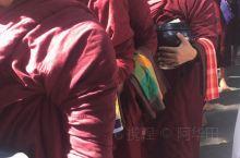 缅甸曼德勒马哈伽纳扬僧院       位于曼德勒市市郊东塔曼湖边,目前1300名僧人。僧院内的僧侣一