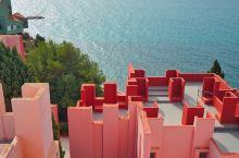 西班牙景点 现实版纪念碑谷,西班牙卡尔佩红墙  玩过纪念碑谷的小伙伴们看到这个场景一定会很熟悉,这就