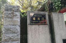 汉阳江滩——大禹神话园,位于晴川阁景区附近,武汉长江大桥汉阳桥头下,一个主要以大禹治水相关的雕塑公园
