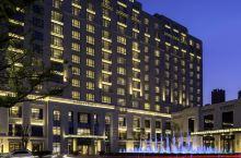 值得一去的酒店—常州马哥孛罗酒店  酒店位于河海东路,傍倚秀丽的藻江河,从对面的小区穿过迪诺水镇就能