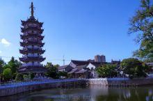 如皋城河      如皋的护城河有一特色,外圆内方,如古币铜钱,图图为外城河  如皋内外城河   南