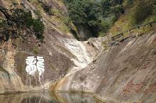 庐山南峦风景更好,飞流直下三千尺,没在庐山风景区,在秀峰