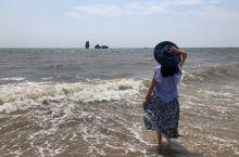 拔草止锚湾。 总是听人家说止锚湾,知道离北京很近,所以带着父母和娃一起拔草一趟。 止锚湾的海水质量一