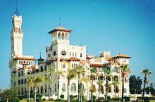 """蒙塔扎宫,也就是俗称的""""夏宫花园"""",既有座欧式风格的宫殿,又有着几段海滩浴场~我们在附近闲逛,看到很"""