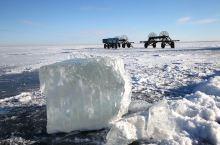 呼伦湖:位于内蒙古自治区呼伦贝尔草原西部的新巴尔虎右旗境内, 呼伦湖是 内蒙古第一大湖、中国蓄水量第