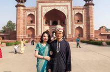 今天,我们去 泰姬陵 拍!了!一!套!婚!纱!照![捂脸][捂脸][捂脸][捂脸] 印度人太会做生意