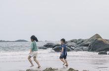 福建东山岛,人少好拍的绝美岩石沙滩  上次自驾去福建东山岛玩,途中发现一个超有意思的巨石沙滩,基本没