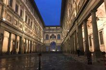 意大利2017之行第五站—佛罗伦萨乌菲兹美术馆  比萨到佛罗伦萨很近,火车一个小时左右就可以到,但是