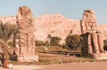 法老们的聚集地——帝王谷 帝王谷位于卢克索古城西岸的沙漠之中 这里埋藏着古埃及 60 多位法老以及他
