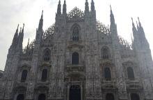 意大利米兰大教堂,广场散散步。米兰大教堂是世界上最大的哥特式教堂,历经六个世纪才完工,德国、法国、
