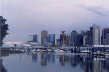 温哥华(Vancouver),位于加拿大不列颠哥伦比亚省西南部太平洋沿岸,是加拿大的主要港口城市和重