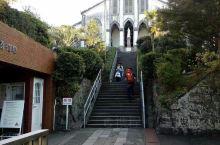 日本长崎,一个美丽的港口城市,经受过磨难后更加祈望和平,山坡上的荷兰教堂祥和美丽