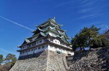 名古屋城,是统一日本的德川家康下令建造的。其天守阁是德川家世代居住之地,与大阪城、熊本城并称日本「三