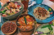 五一和朋友去济南吃吃逛逛 图一是济南万象城的一个素食餐厅,叫Joy box 图二在宜家吃的经典热狗和