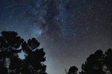 湖边的星空