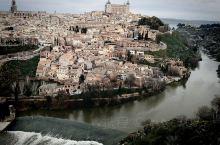 托莱多  托莱多(Toledo),西班牙古城。位于马德里以南70公里处,是卡斯蒂利亚-拉曼恰自治区首