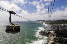 香岛公园跨海缆车,绝对是富国岛必去项目,没有之一,单程20分钟,来回差不多50分钟,如果好天气,返程
