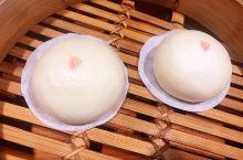 鼎泰丰最好吃的不是小笼包?!  如今享誉全球的鼎泰丰,1958年创立于台湾。最初只是一家巷口小吃店的