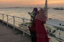 泗水是一个游客在此中转然后去看火山的地方,作为印尼第二大城市,确实缺乏响当当的旅游景点。泗水北港其实