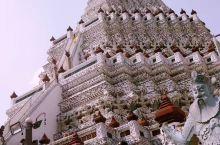 游泰国埃菲尔铁塔!1月30日曼谷第三天。早上睡到自然醒,八点多用的早膳,在酒店露天花园里,伴着花香鸟