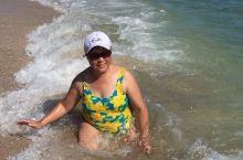 美国迈阿密海滩碧水蓝天 11月份的海滩太美了 热热热热的海沙有一点点烫 好舒服 明年继续来这里旅游度