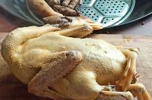 来吃土鸭咯,妈妈自制的白掌鸭超级美味