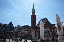 偶然在电视上看到了法兰克福的老火车站,又想起了之前的德国之旅。法兰克福是我们到德国的第一站,最初的印